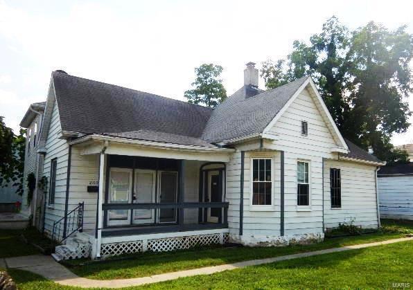 202 E 2nd Street Property Photo