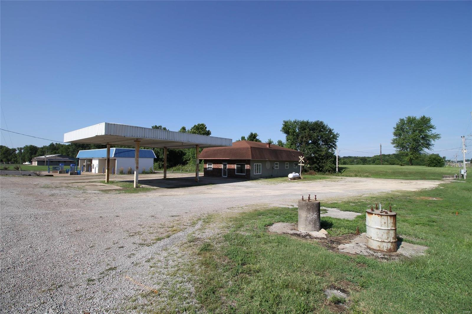 1 Westwood Drive Property Photo - Steeleville, IL real estate listing