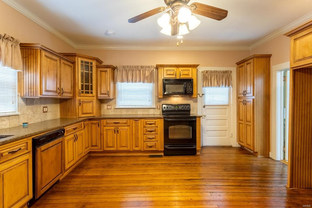 610 Poplar Street Property Photo