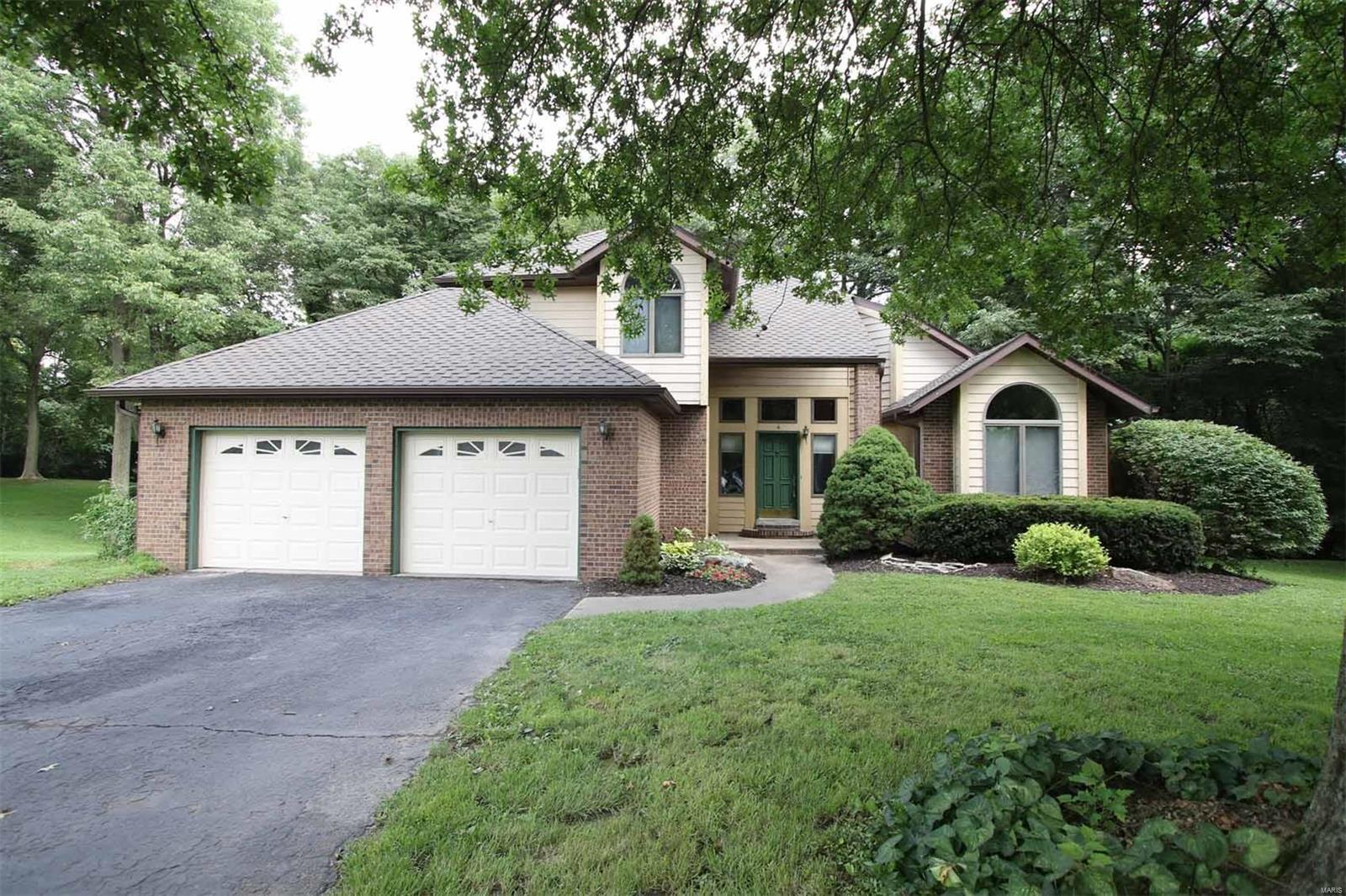 4 Wrenwood Court Property Photo - Collinsville, IL real estate listing