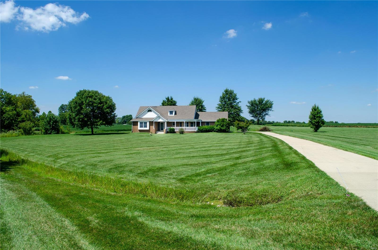 6005 Prairie Drive Property Photo - Millstadt, IL real estate listing