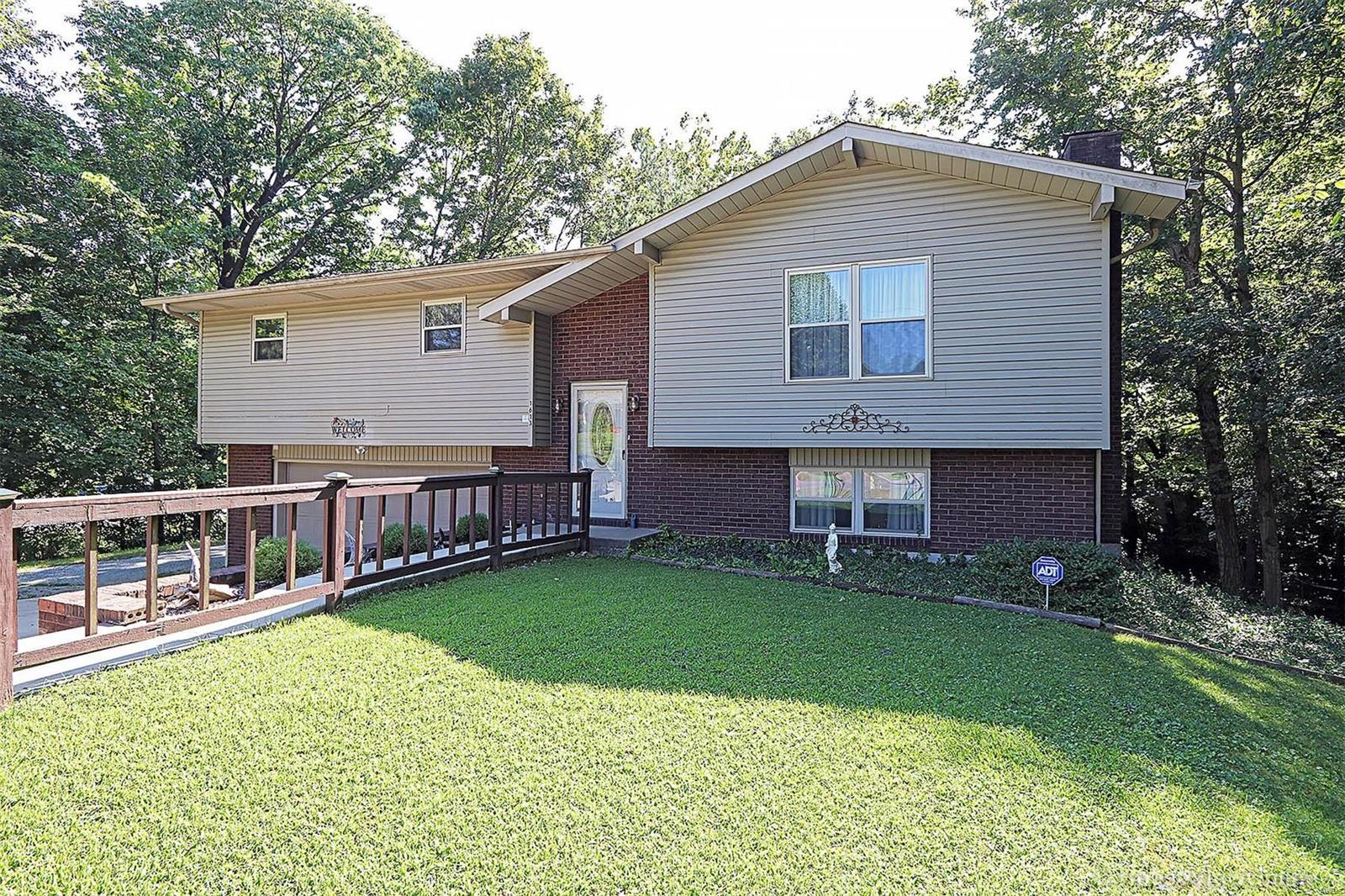 1613 Highland Drive Property Photo - Jackson, MO real estate listing