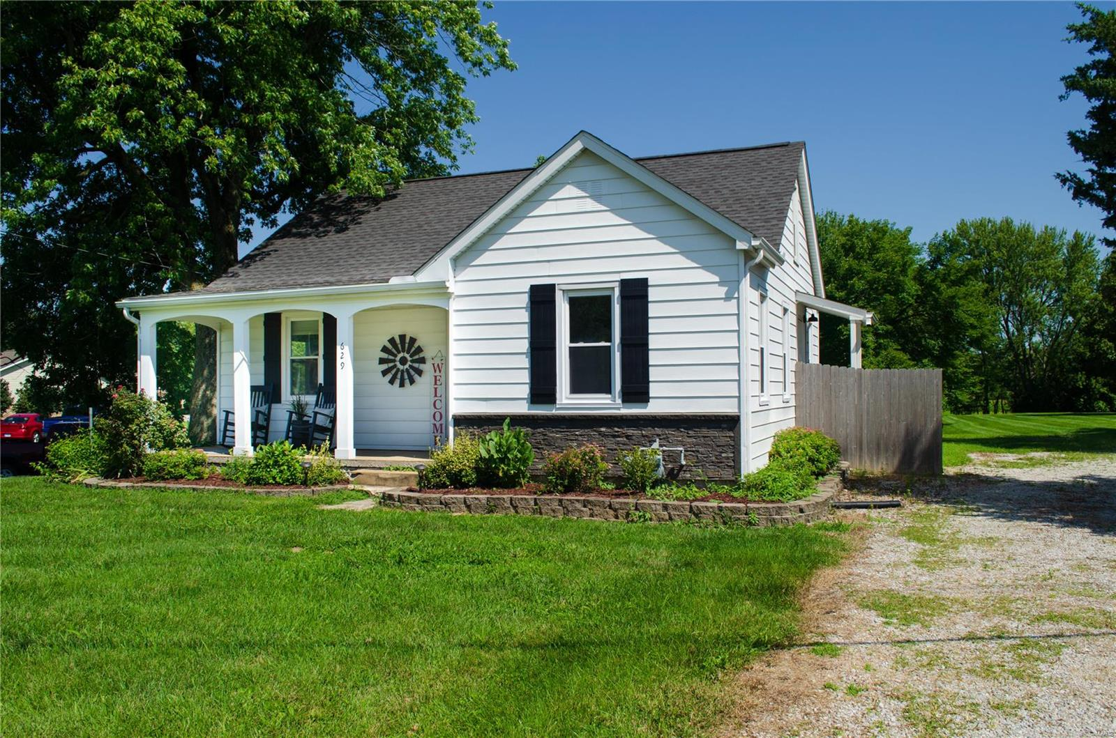 629 E Washington Property Photo - Millstadt, IL real estate listing