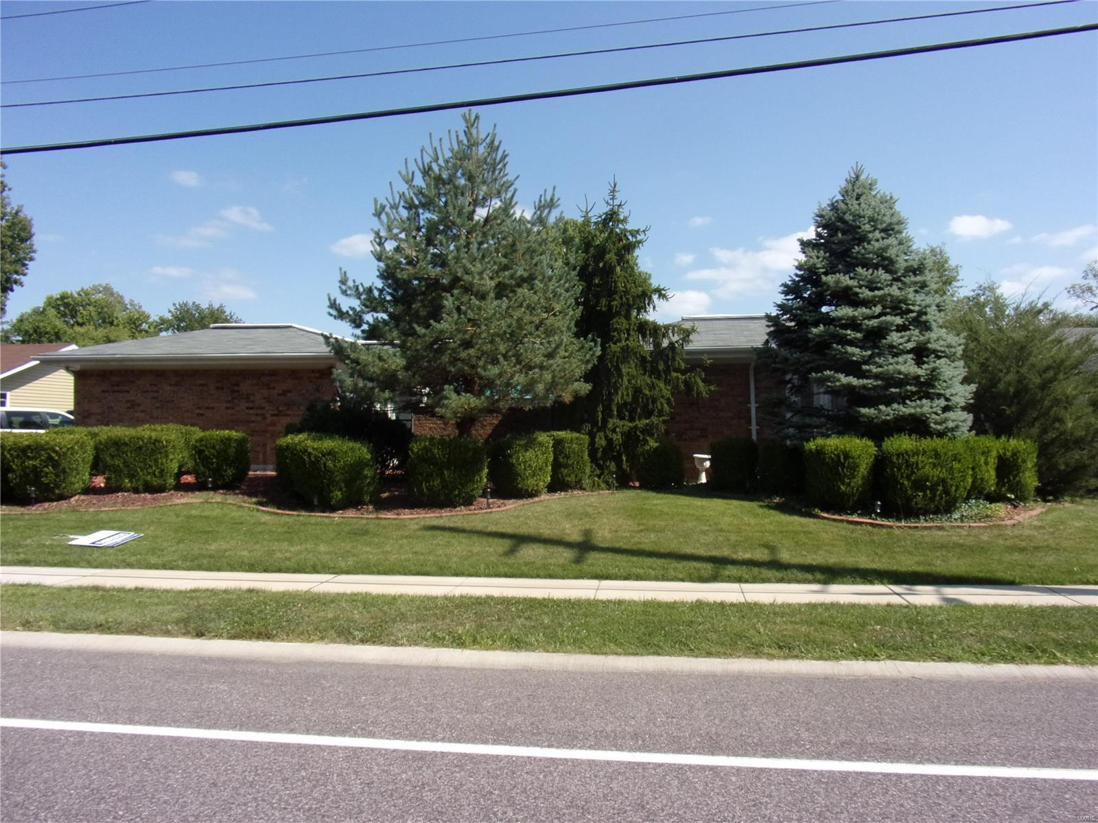 742 Henry Avenue Property Photo - Ballwin, MO real estate listing