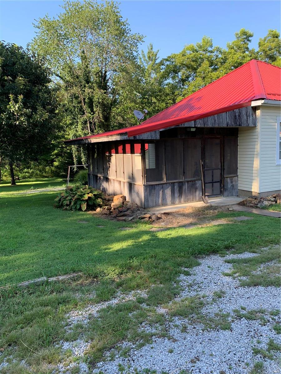 306 N McHaney Property Photo - Galatia, IL real estate listing