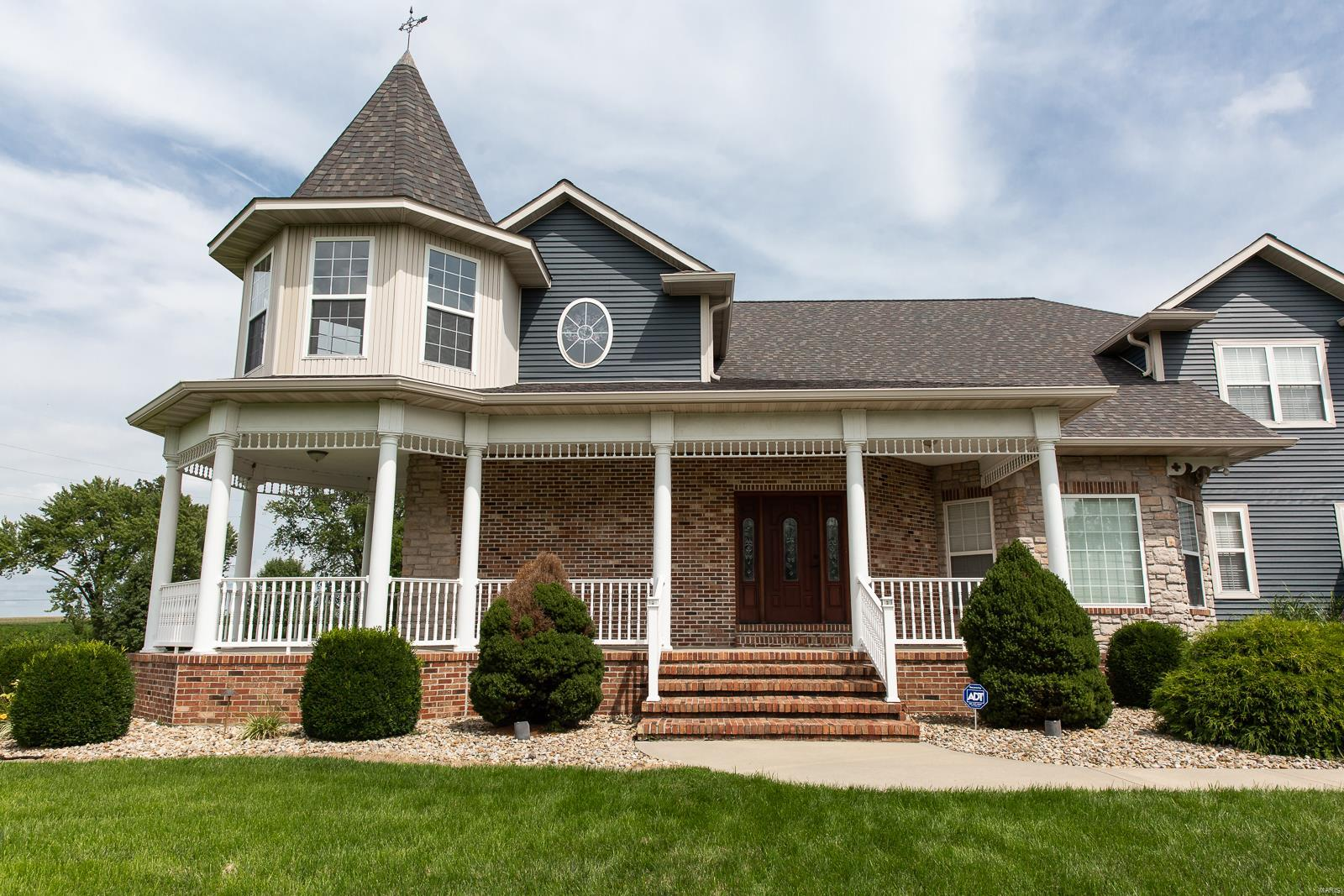 978 Dackk Road Property Photo - Collinsville, IL real estate listing