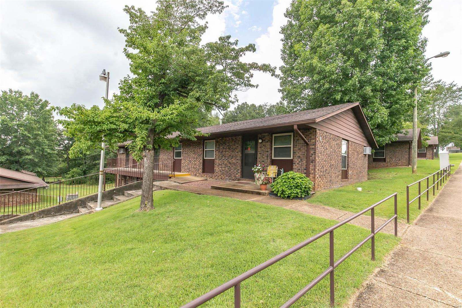1020 E Washington Street Property Photo - Doniphan, MO real estate listing