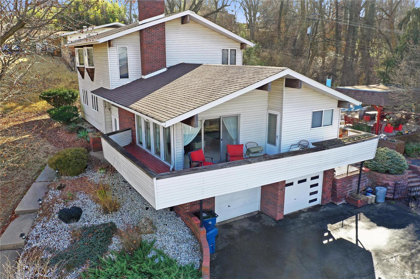 1003 Ostle Drive Property Photo - Collinsville, IL real estate listing