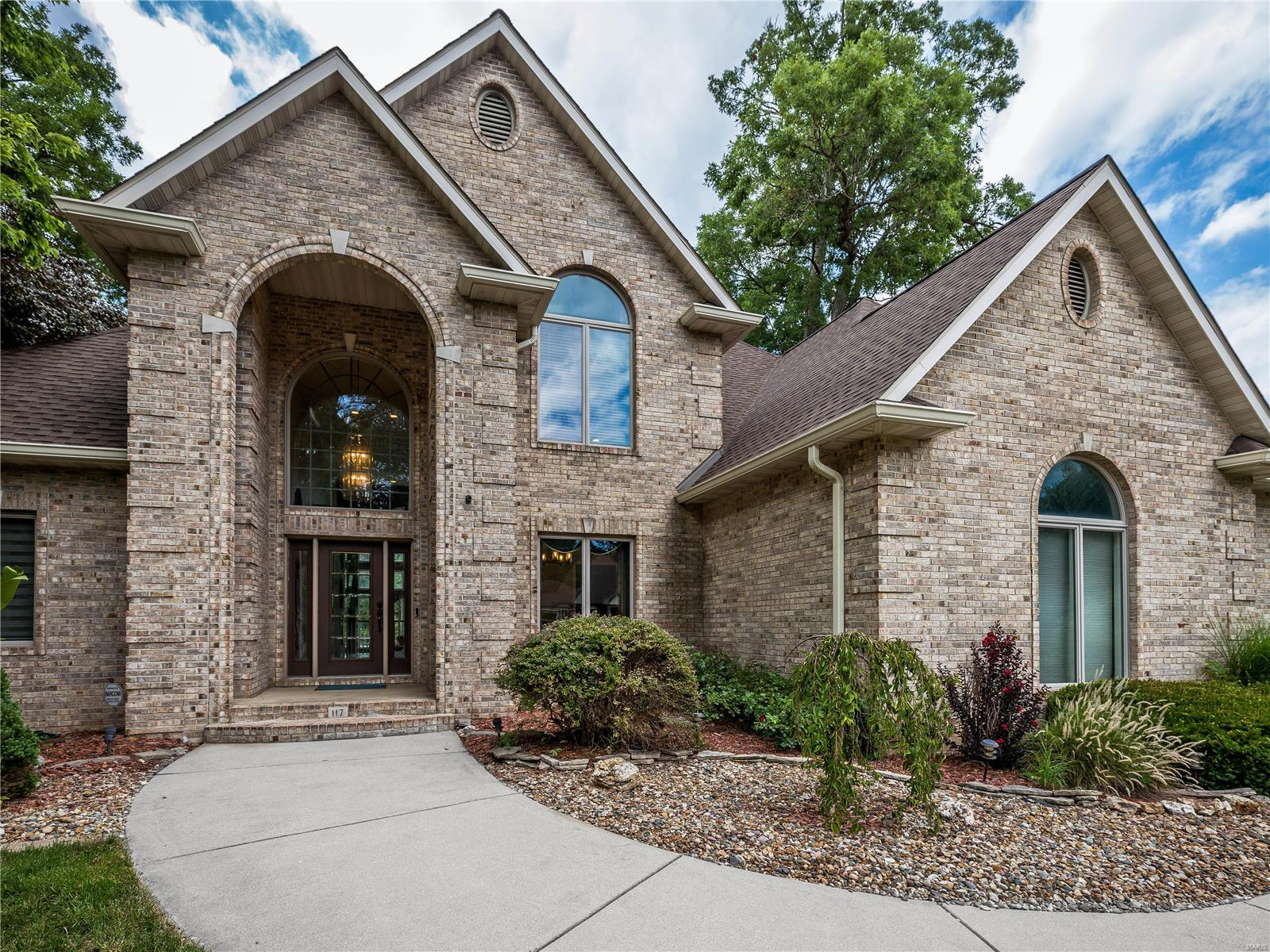 117 Timberwood Lane Property Photo - Collinsville, IL real estate listing