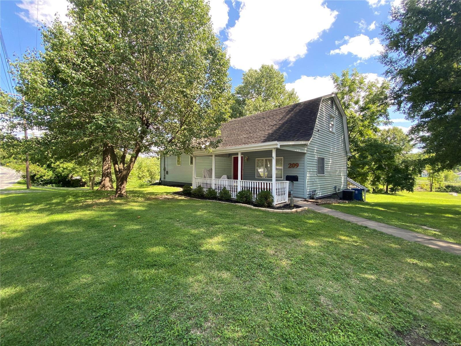 209 Prentice Property Photo - Carterville, IL real estate listing