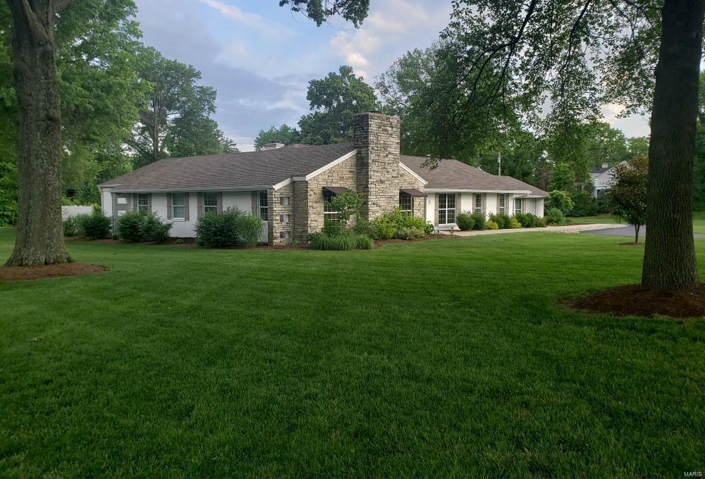 26 Fox Meadows Lane Property Photo - St Louis, MO real estate listing