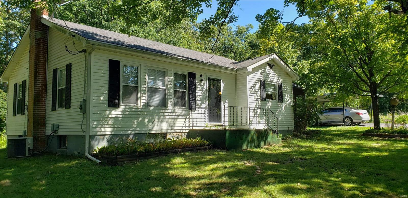 7814 Zimmerman Property Photo - Robertsville, MO real estate listing