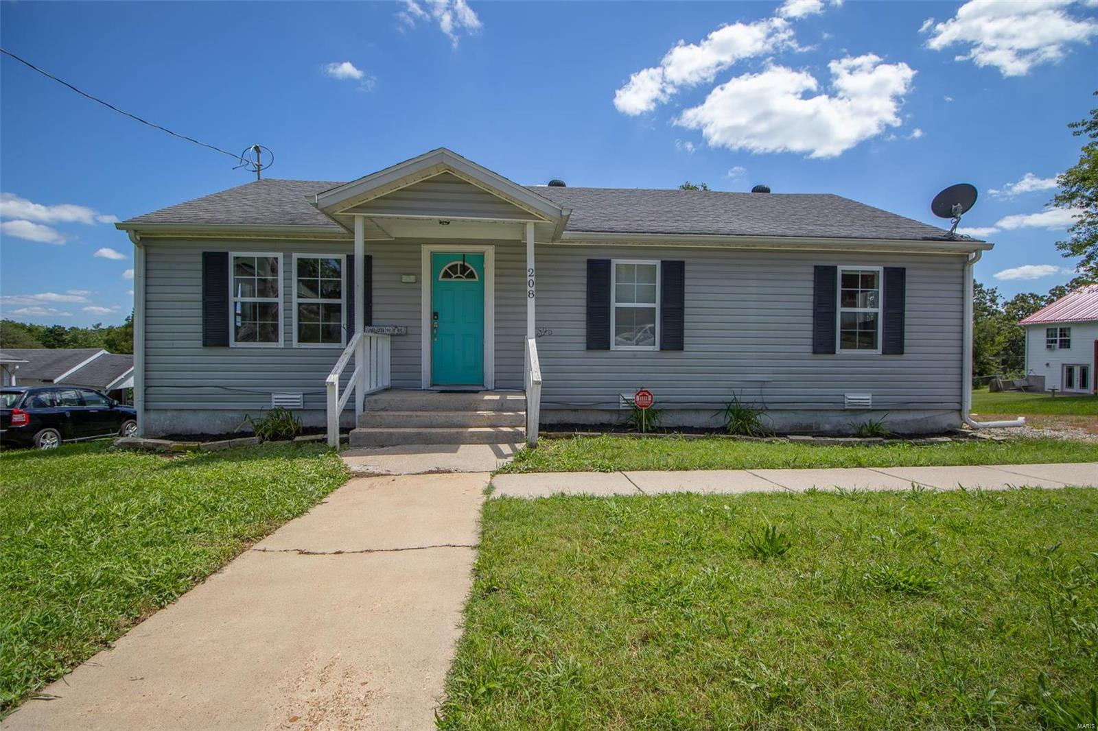 208 Locust Street Property Photo - Richland, MO real estate listing