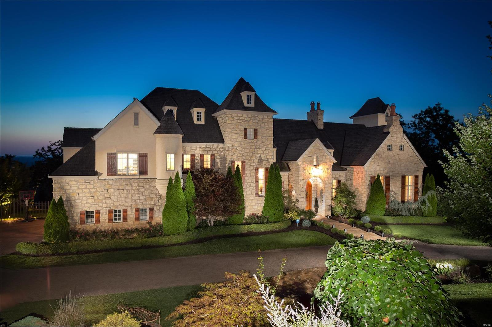 2271 Talon Court Property Photo - St Albans, MO real estate listing