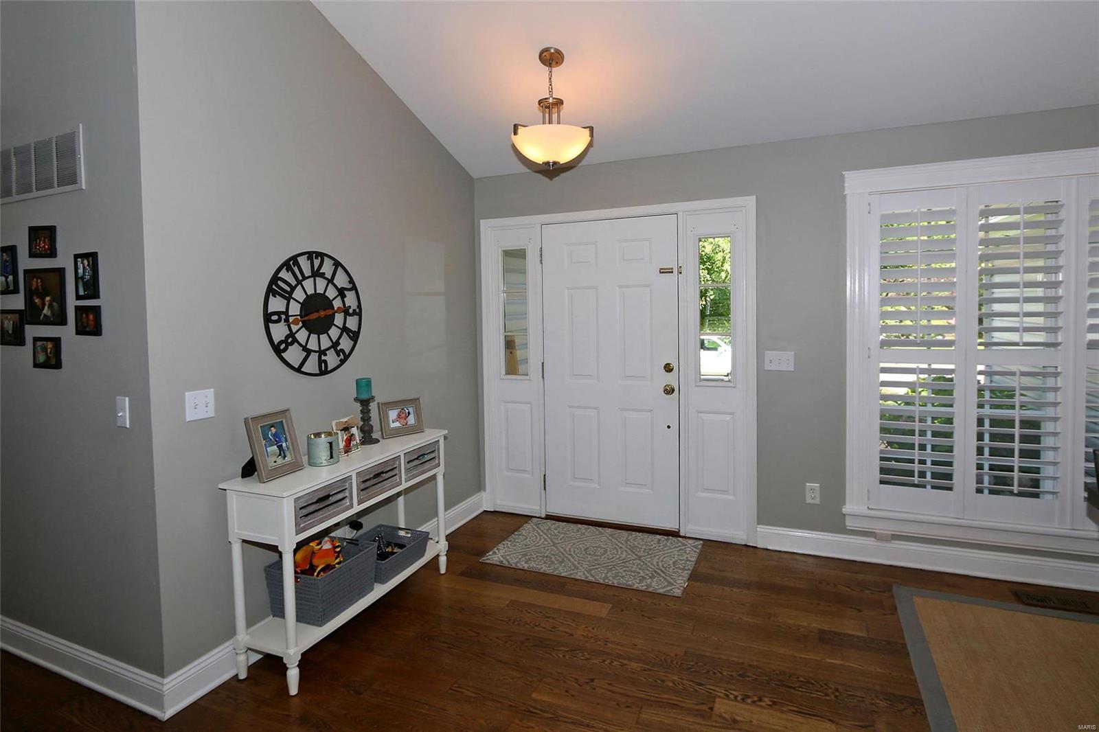 Avalon Hills Real Estate Listings Main Image