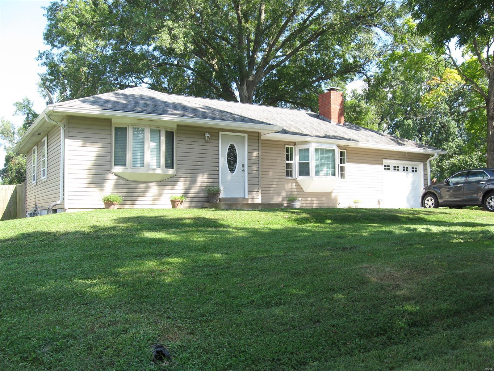 6048 Oakville Ter Property Photo - St Louis, MO real estate listing
