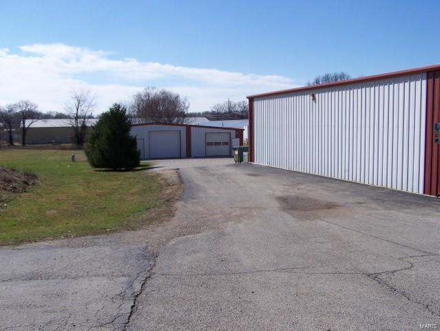 1107 E Highway 60 Property Photo - Mountain View, MO real estate listing