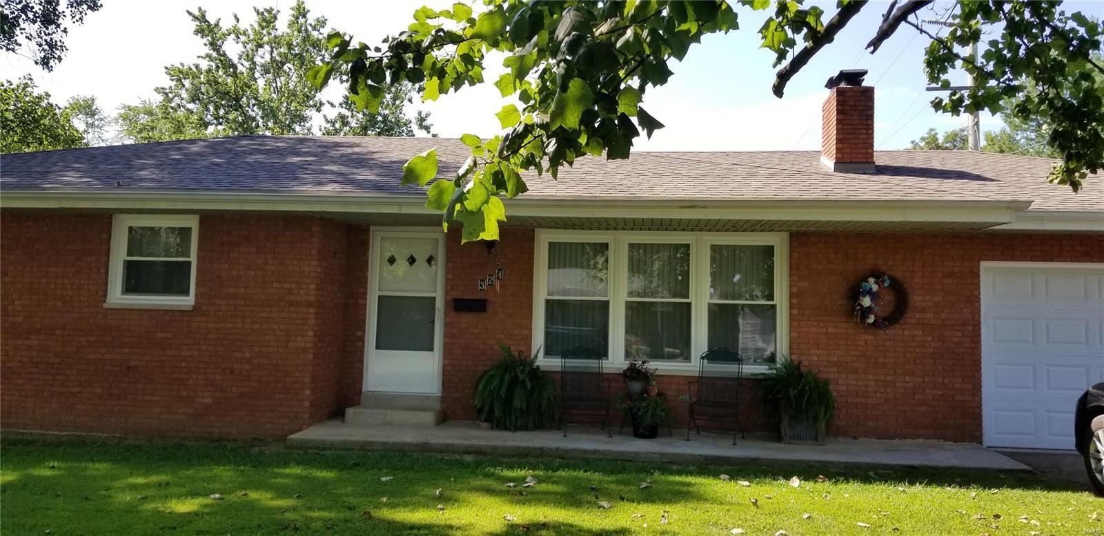 324 High Street Property Photo - Nashville, IL real estate listing