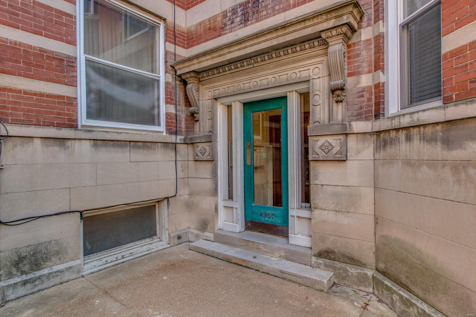 4957 Mcpherson Avenue #D Property Photo - St Louis, MO real estate listing