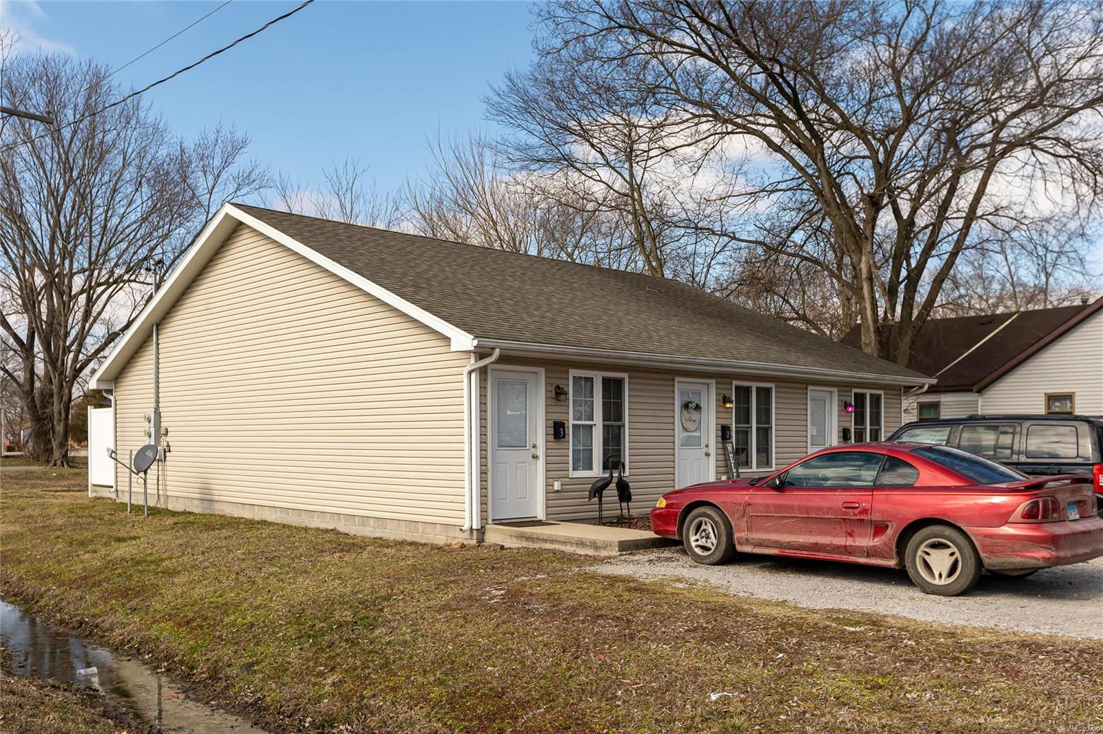 229 S Walnut Property Photo - Duquoin, IL real estate listing