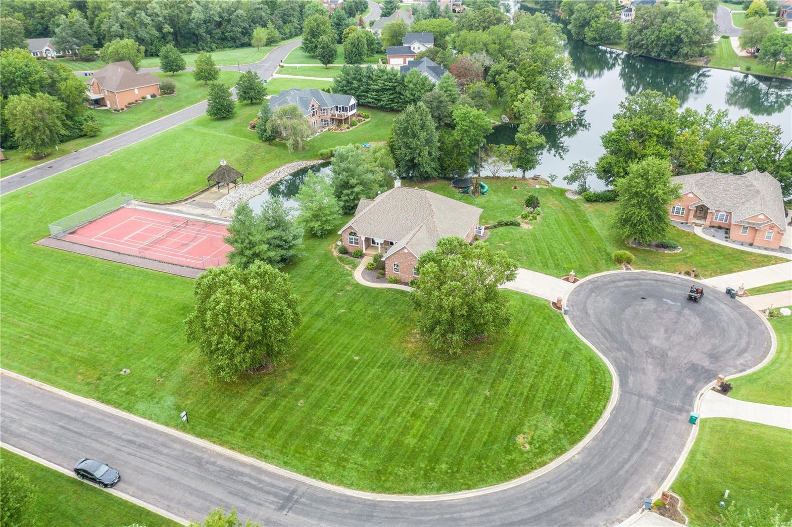 5710 Lake Briar Drive Property Photo - Millstadt, IL real estate listing