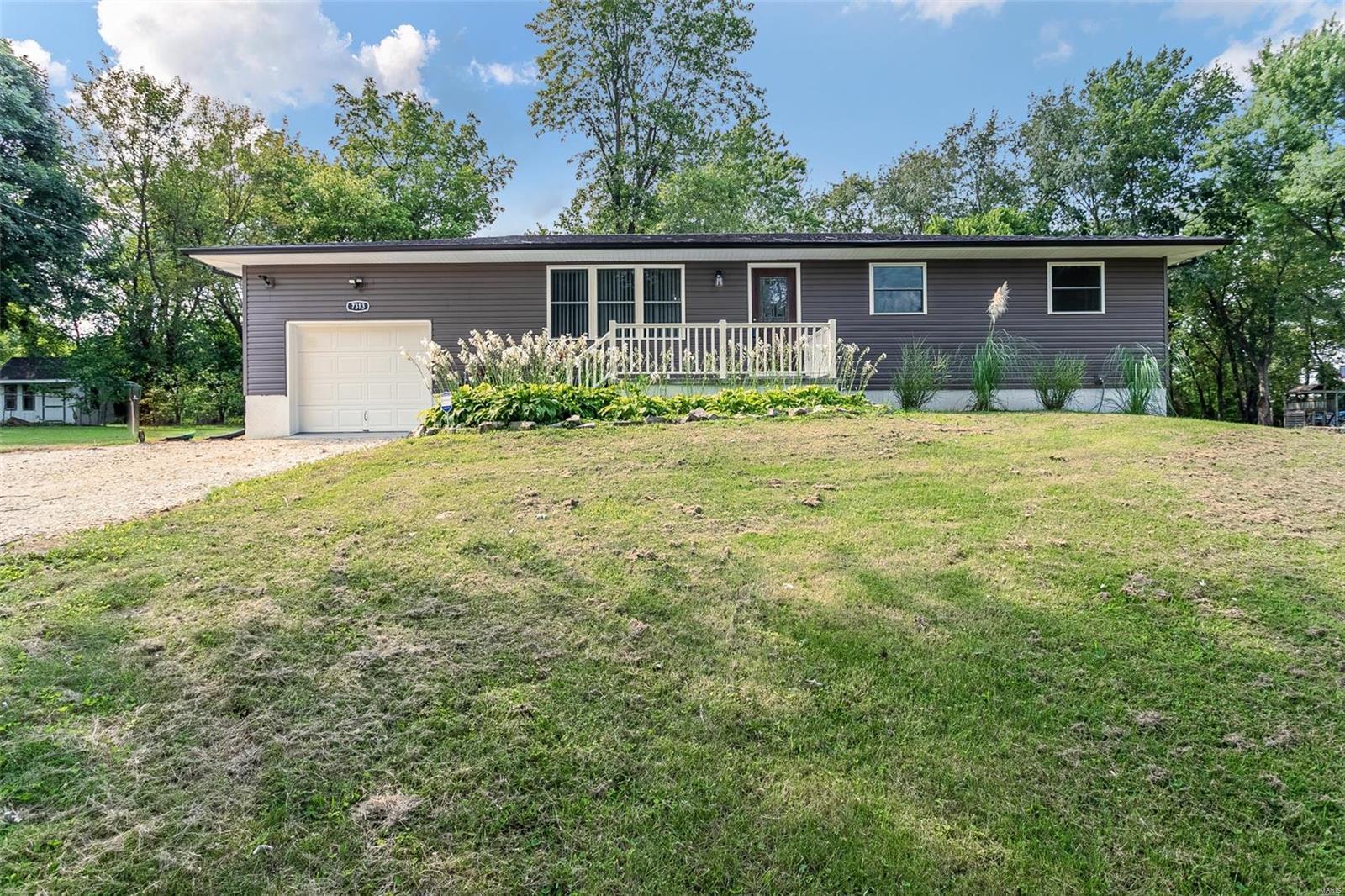 7313 Kohler Drive Property Photo - Barnhart, MO real estate listing