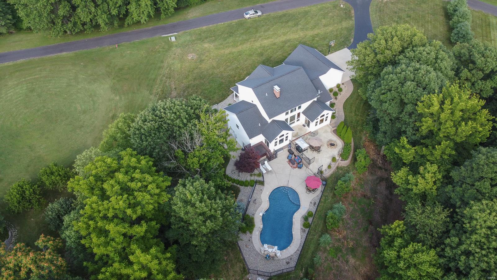5 Eagle Nest Lane Property Photo - Columbia, IL real estate listing