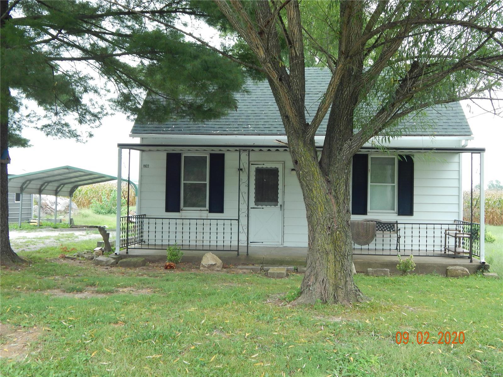 1922 Ames Road Property Photo - Red Bud, IL real estate listing