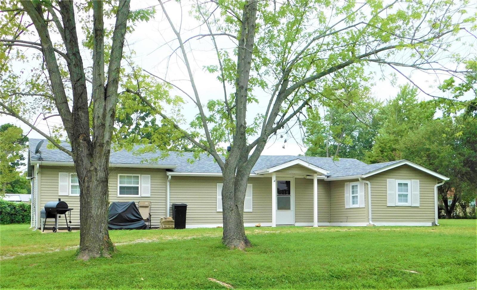 503 Louise Street Property Photo - Richland, MO real estate listing