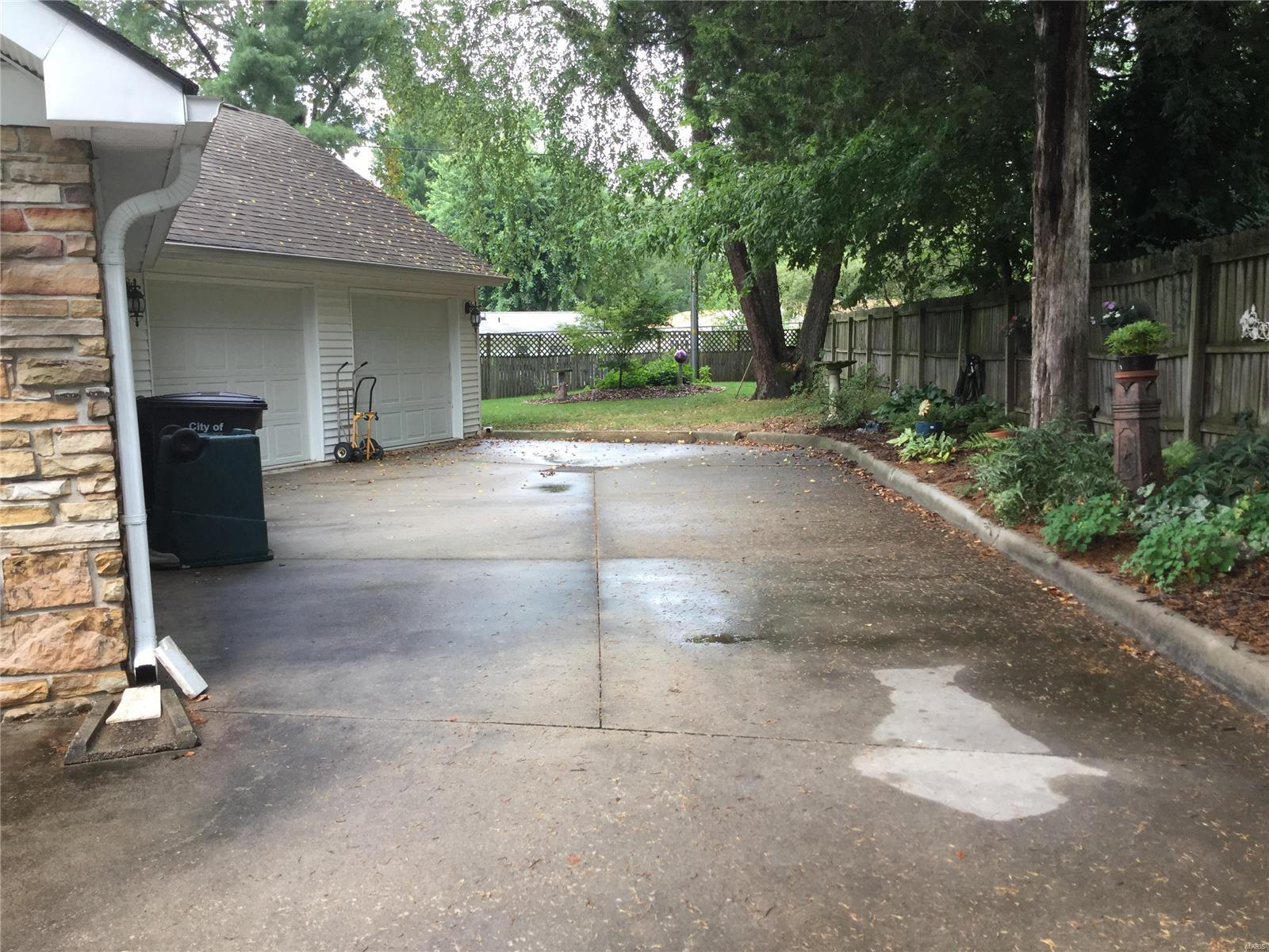 23 Hillcrest Property Photo - Carbondale, IL real estate listing