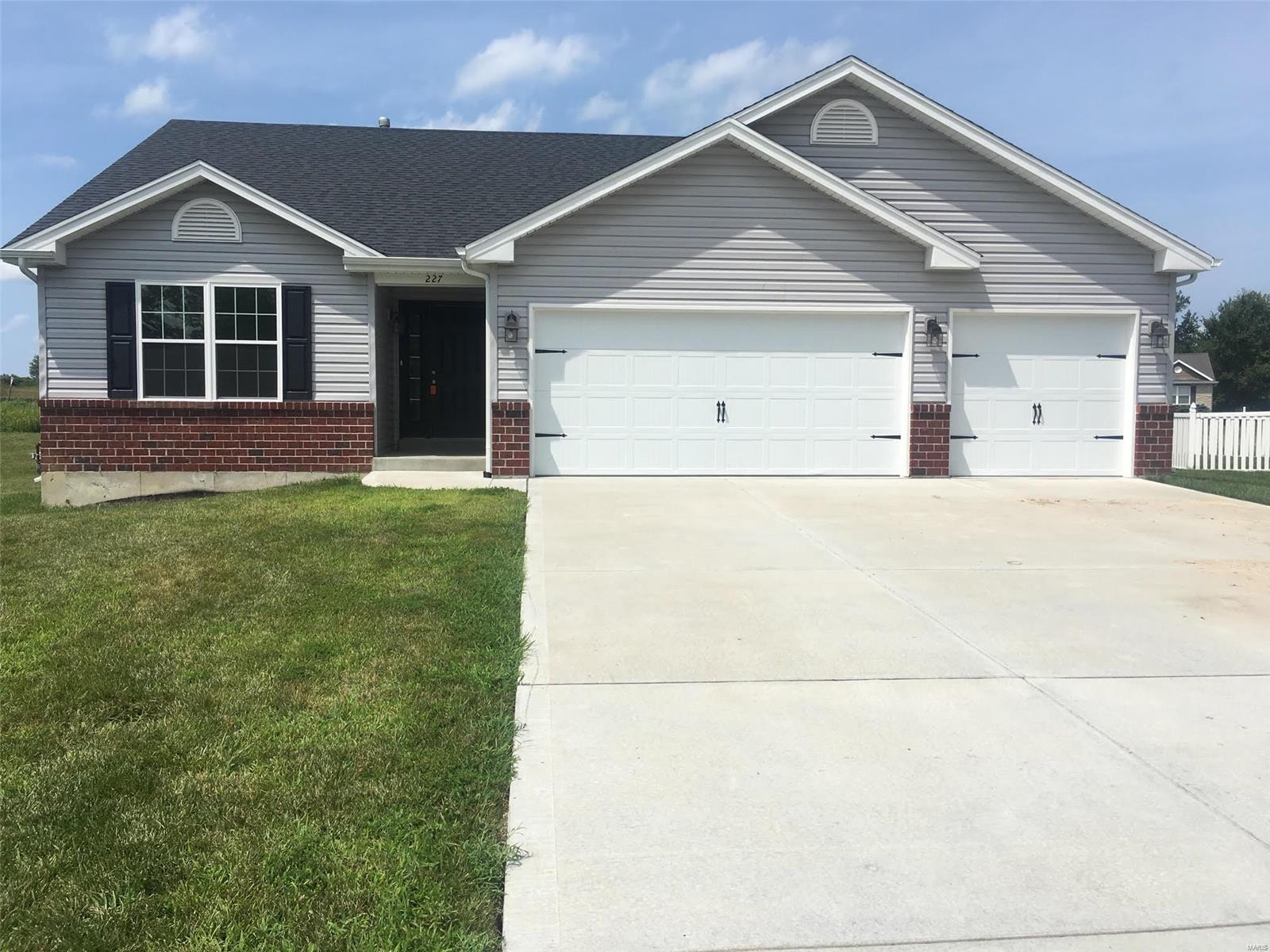 227 Essex Court Property Photo - Wright City, MO real estate listing
