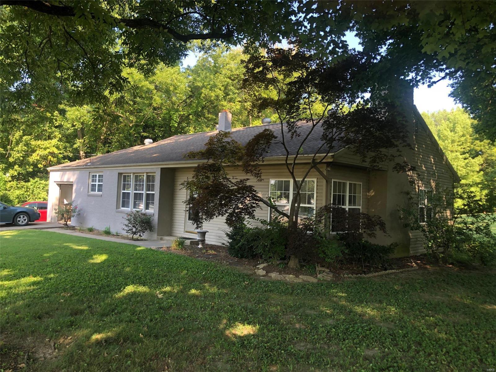 2732 Bloomfield Road Property Photo - Cape Girardeau, MO real estate listing