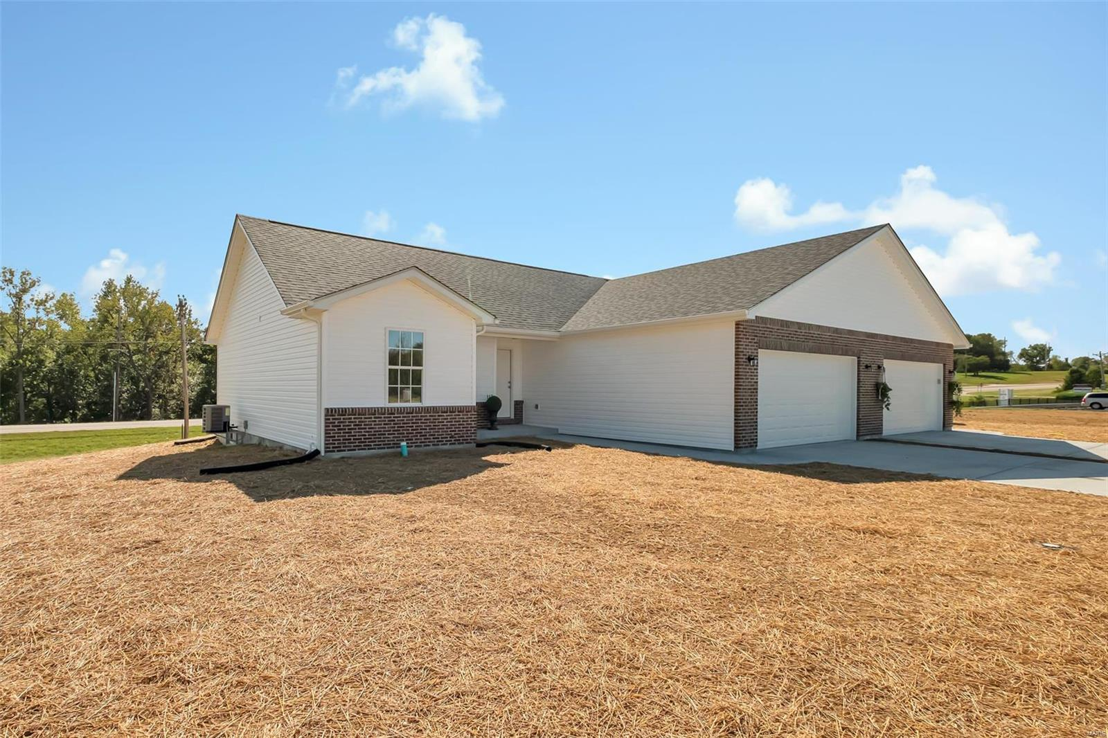 91 Round Table Court Property Photo - Troy, MO real estate listing