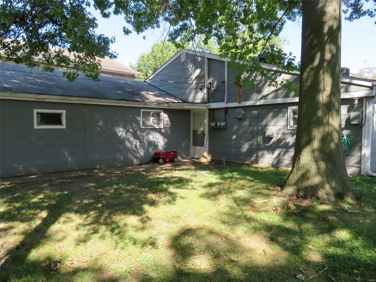 508 Broadway Property Photo - Highland, IL real estate listing