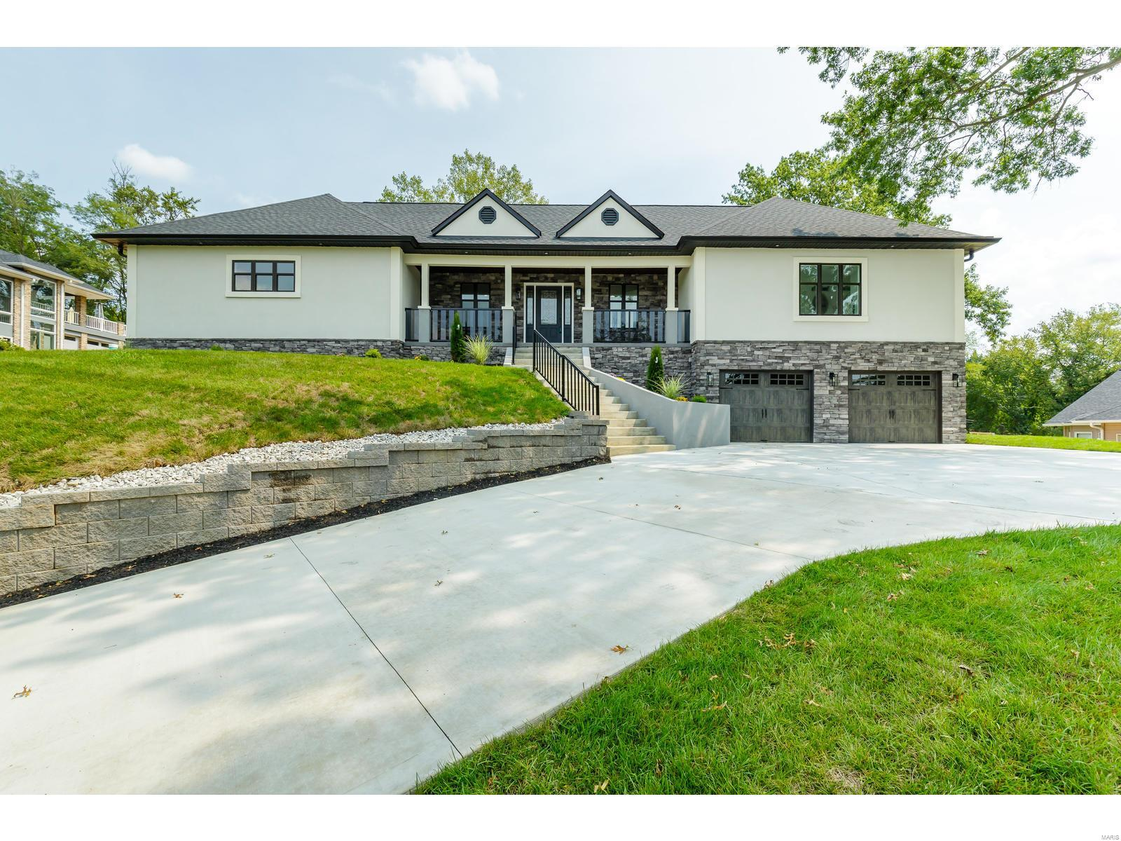 5912 Oakville Woods Place Property Photo - St Louis, MO real estate listing