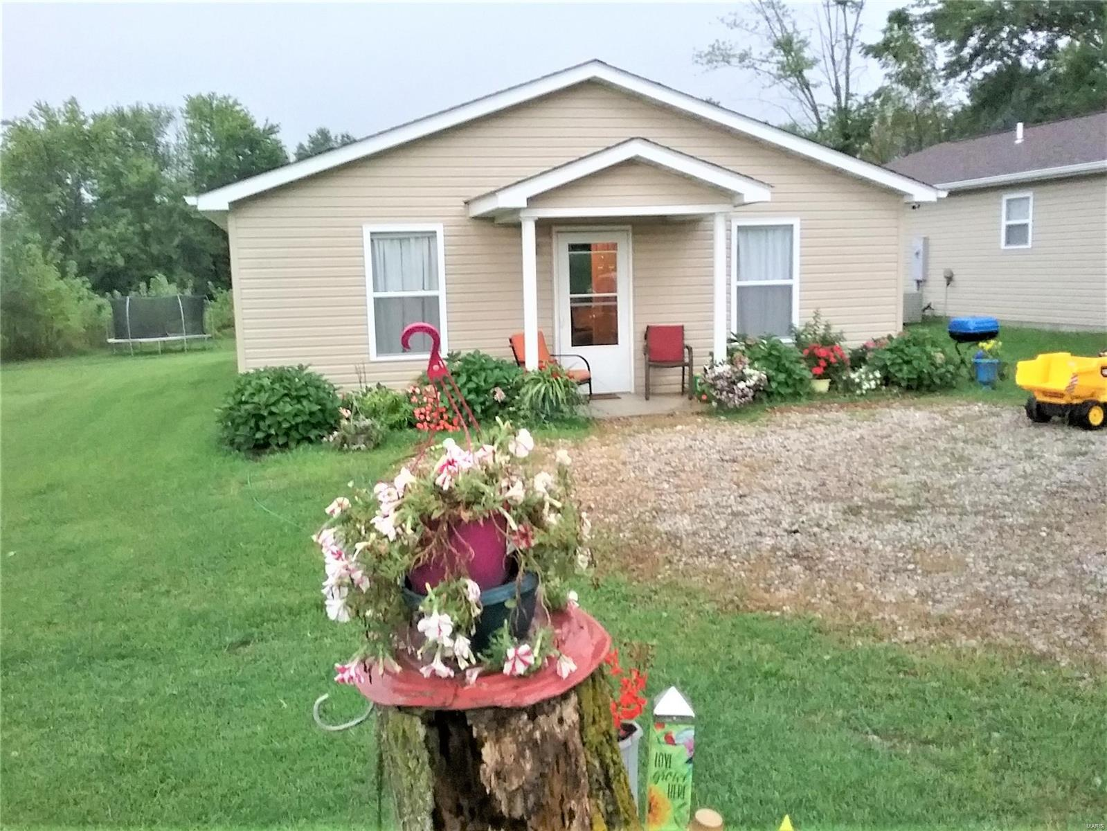 209 College Circle #2 Property Photo - Eolia, MO real estate listing