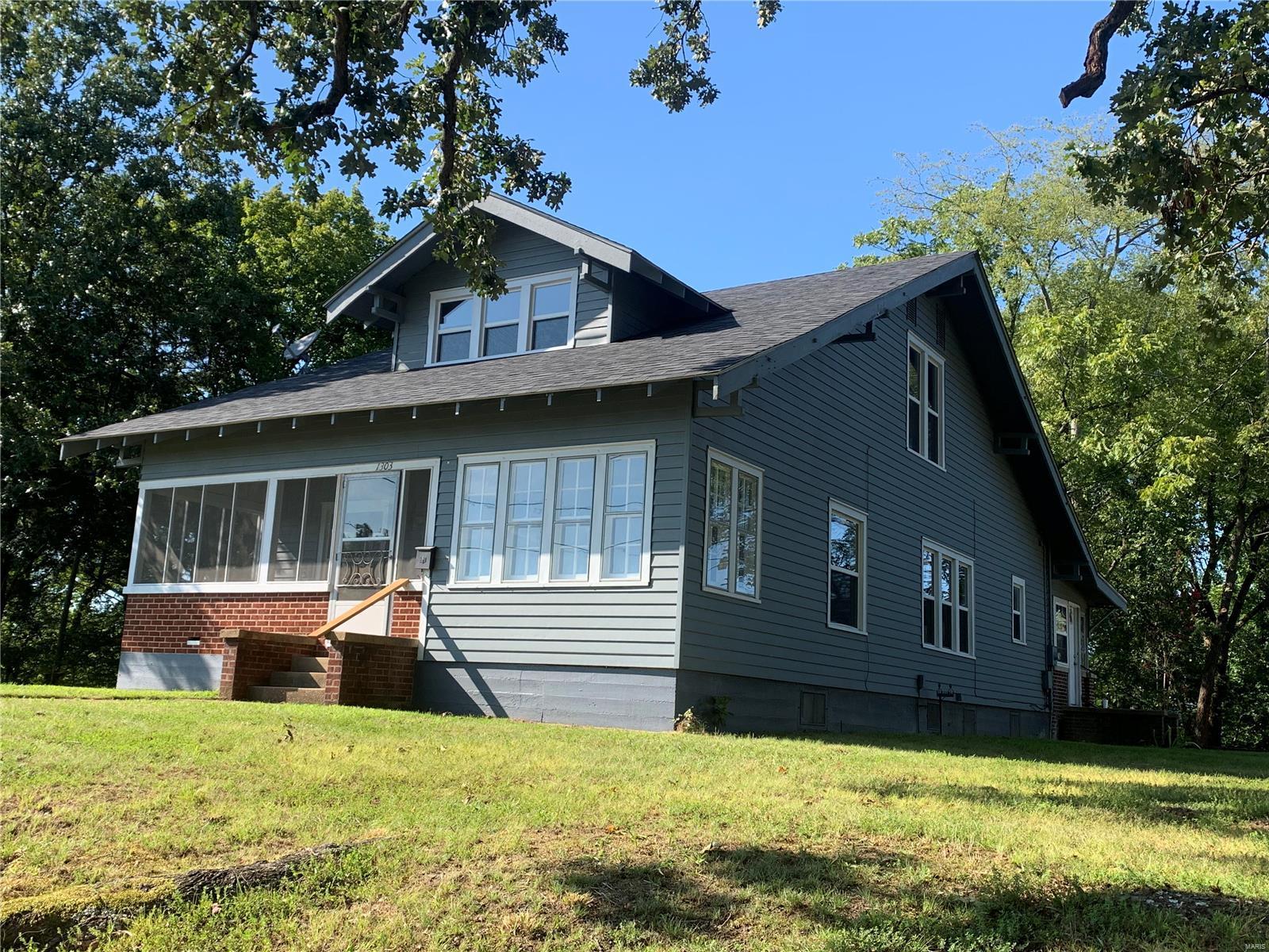 1303 Spring Street Property Photo - Poplar Bluff, MO real estate listing