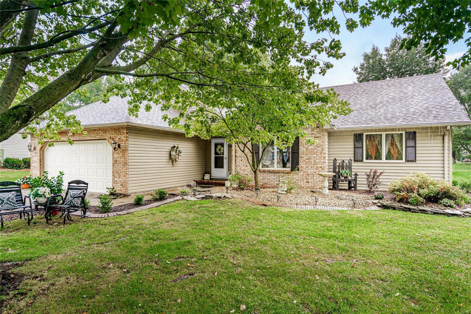 23253 Greenapple Lane Property Photo - Jerseyville, IL real estate listing