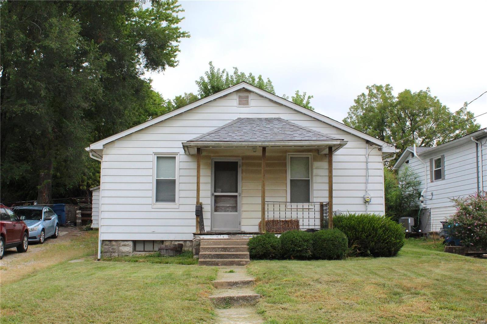 3710 Coronado Property Photo - Alton, IL real estate listing