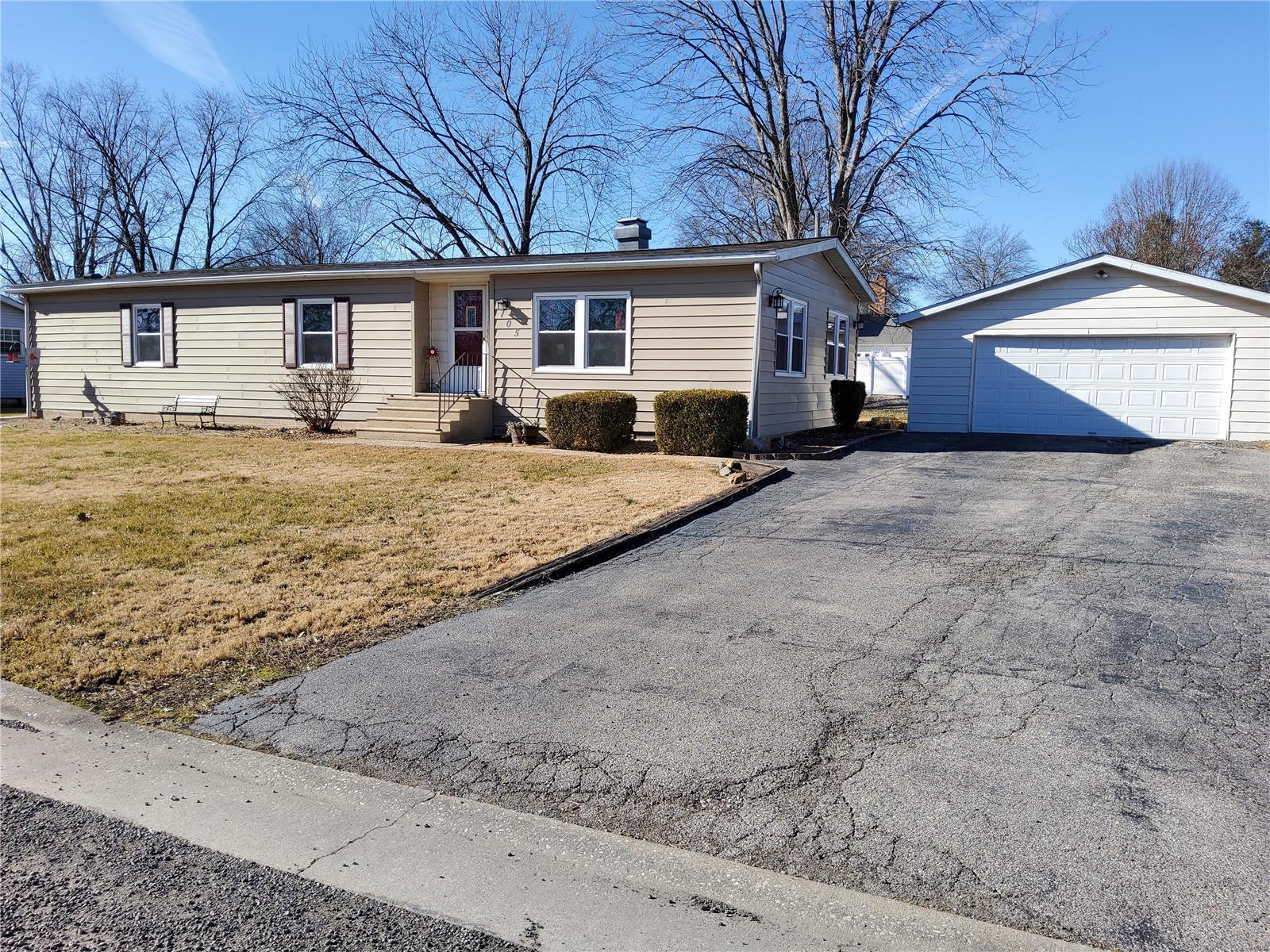 105 N Lincoln Property Photo - Smithton, IL real estate listing