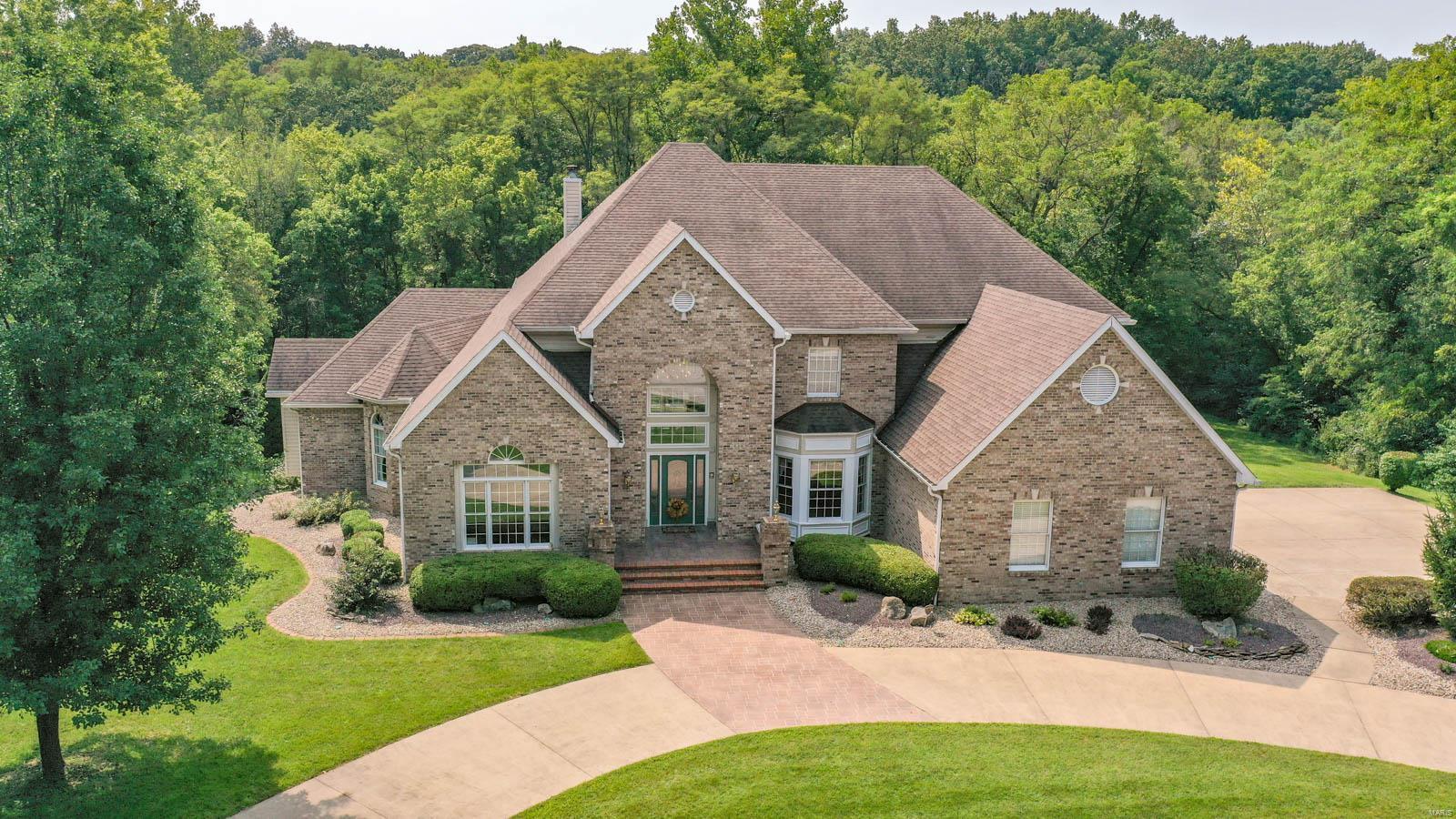 2331 Pebble Creek Drive Property Photo - Alton, IL real estate listing
