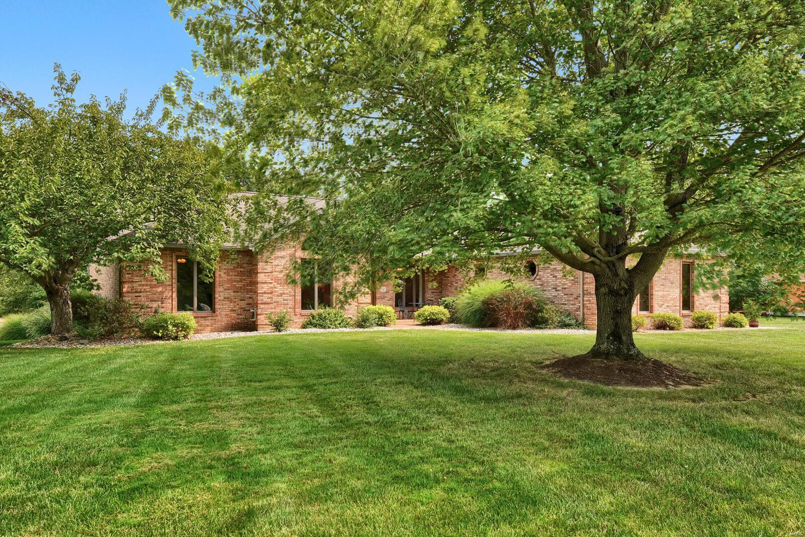 4 Lindenwood Drive Property Photo - Collinsville, IL real estate listing
