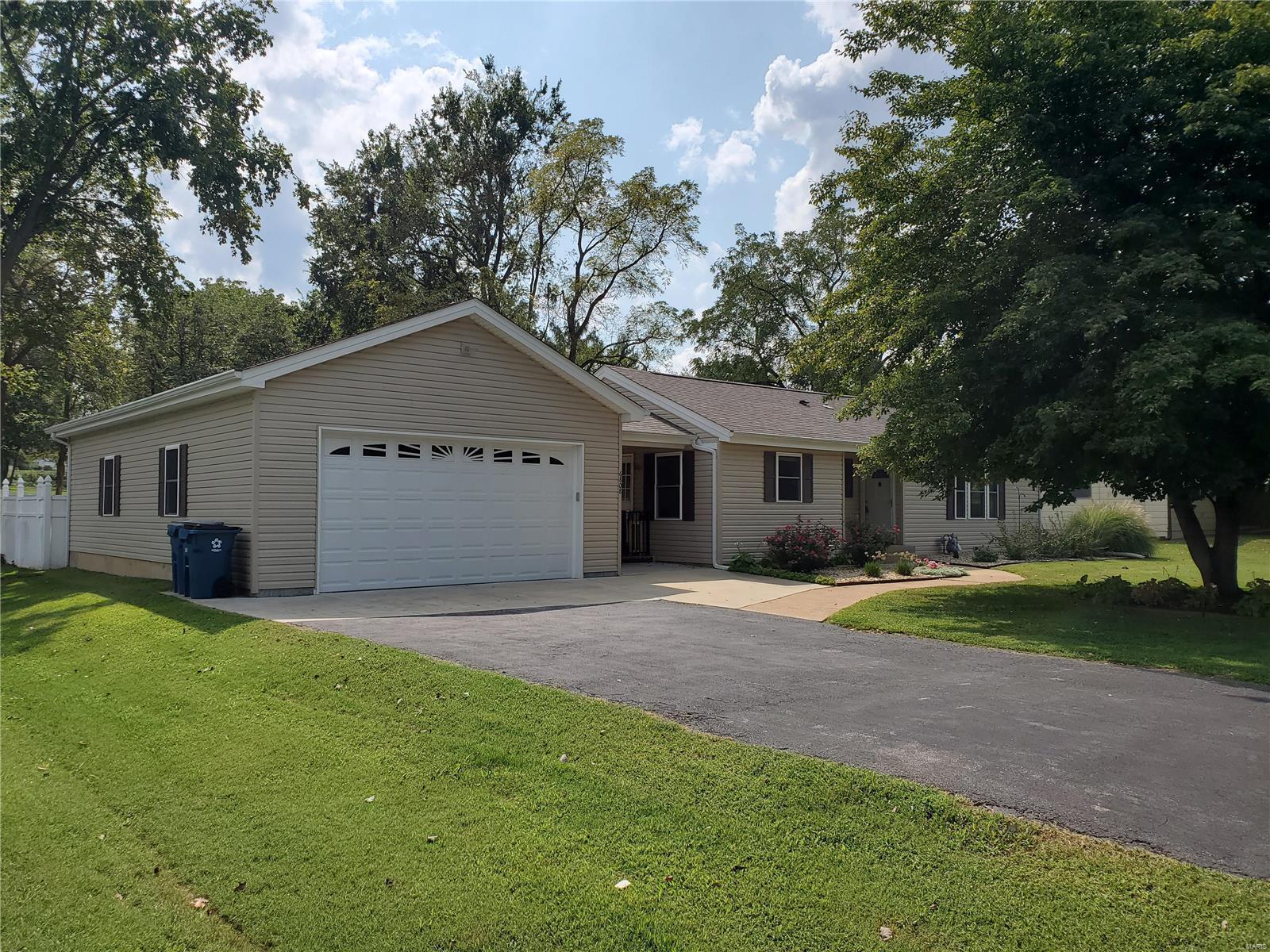 6808 Weber Road Property Photo - Affton, MO real estate listing