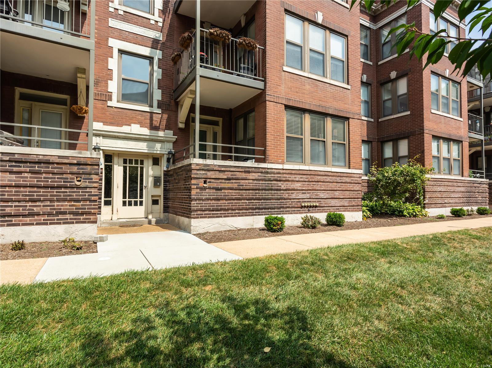 533 Clara Avenue #1D Property Photo