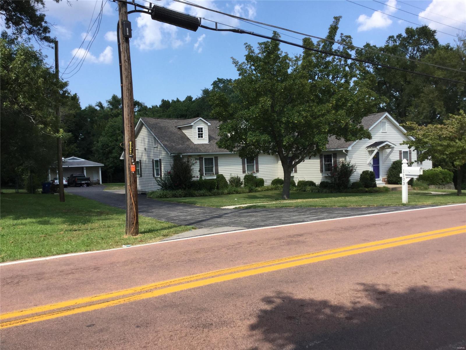 1103 Hudson Property Photo - Ferguson, MO real estate listing