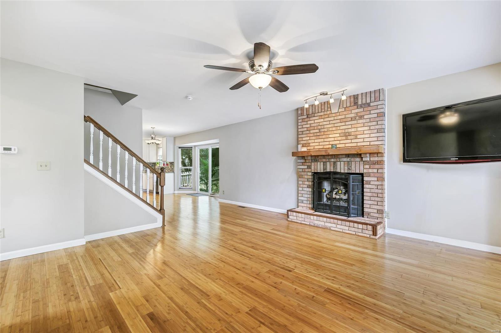 Ballwin Oaks Real Estate Listings Main Image