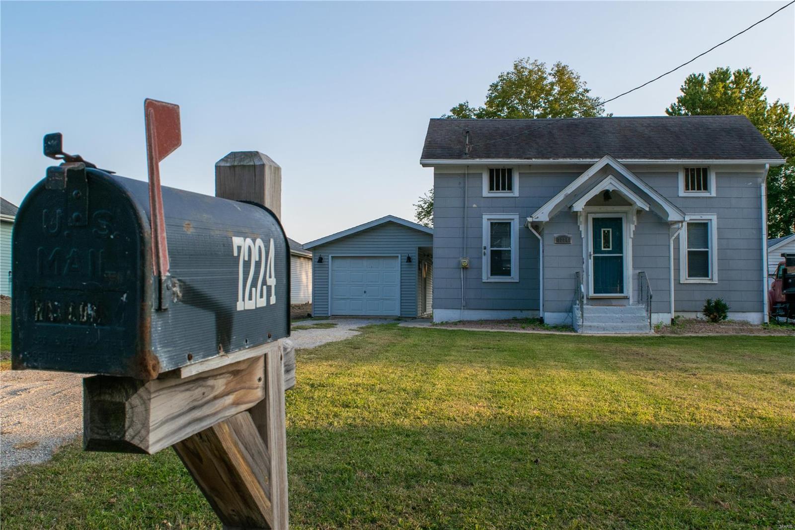 7224 Renken Road Property Photo - Dorsey, IL real estate listing