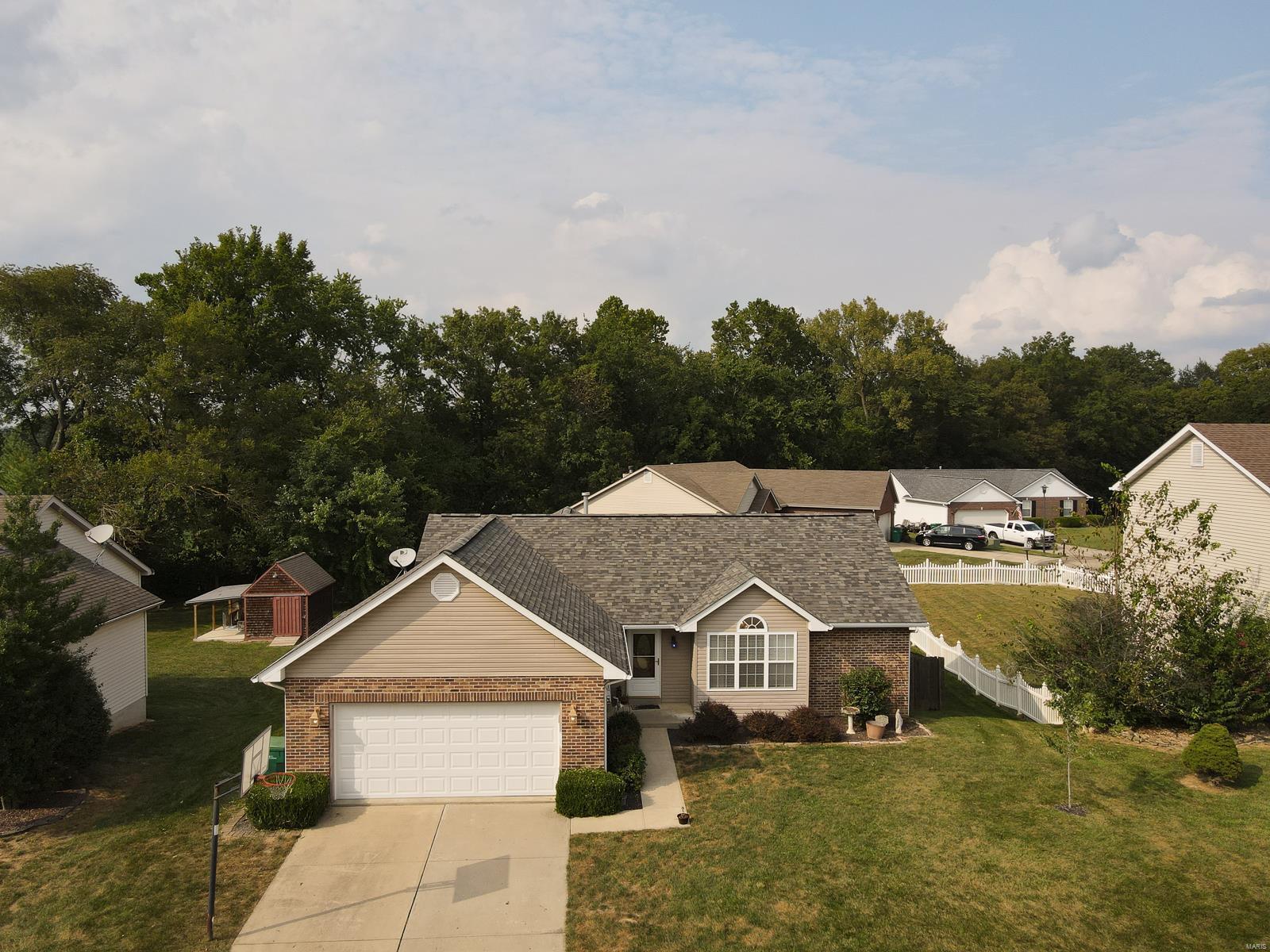 206 Sun Valley Drive Property Photo - Smithton, IL real estate listing