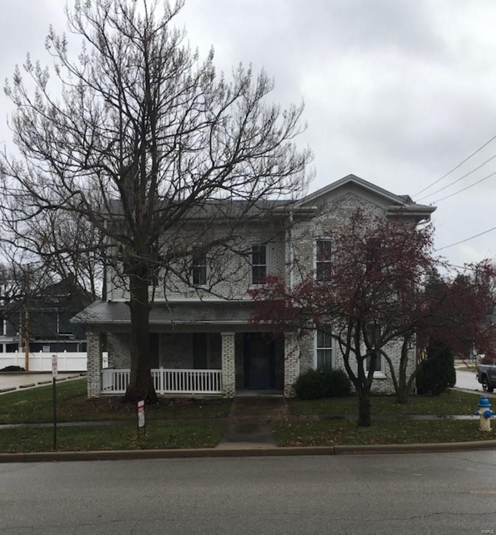 202 E College Avenue Property Photo - Greenville, IL real estate listing