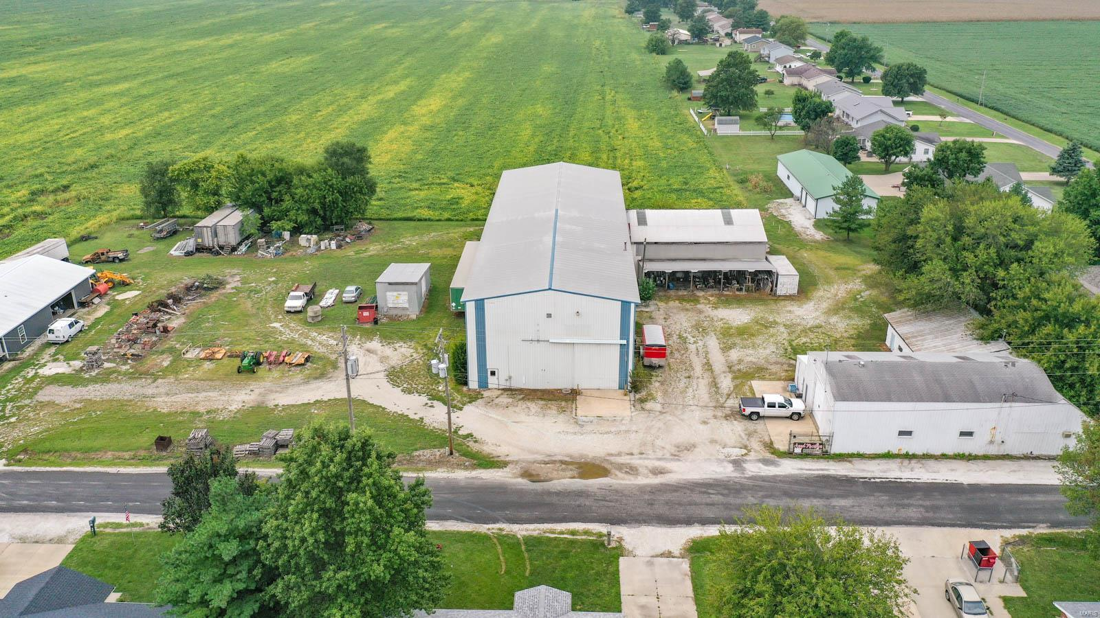 1204 Beatty Mound Road Property Photo - Jerseyville, IL real estate listing